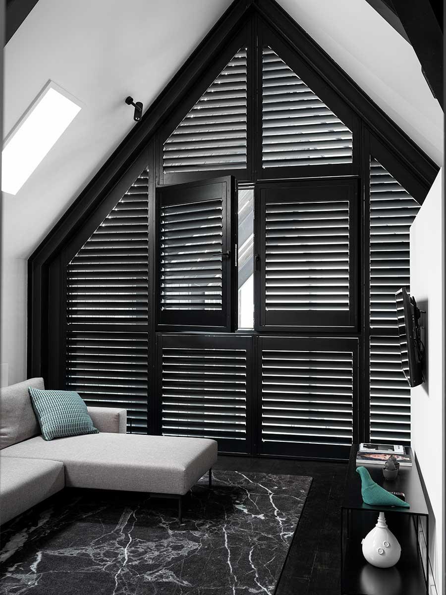 шаттерсы деревянные на окна